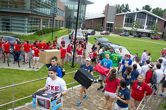 Students helping with move in day