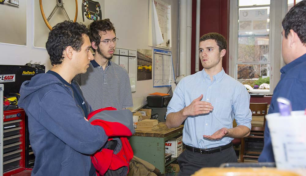 Students in the mechanical engineering lab