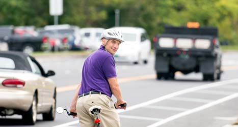 Jon Kaplan '85 maps a new approach to transportation planning in his home state of Vermont, one bicycle at a time.
