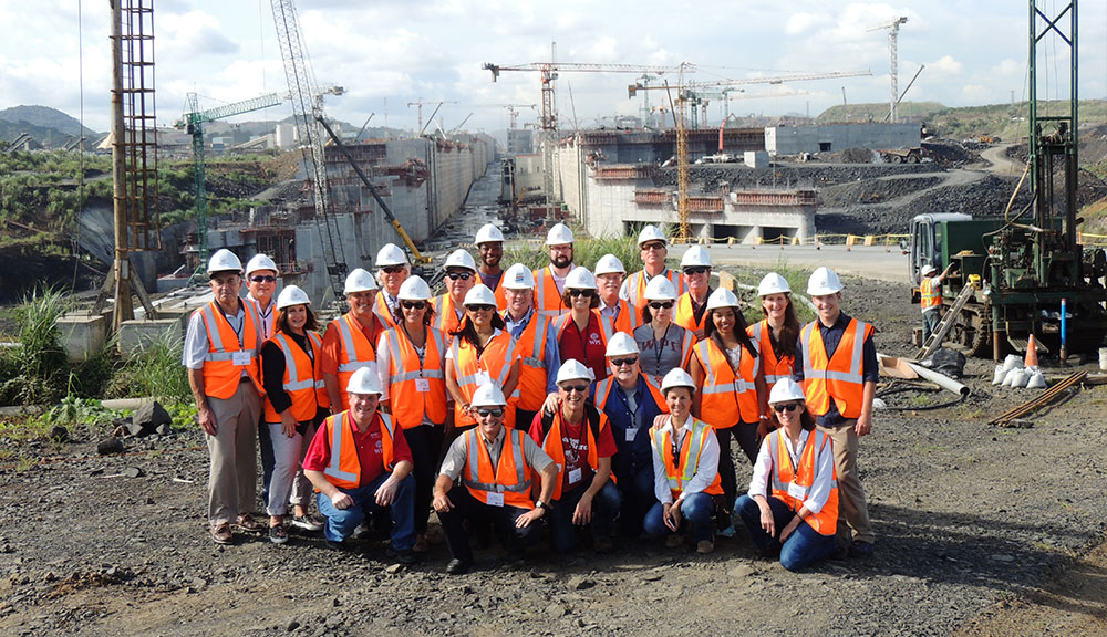 Panama Alumni Chapter Photo