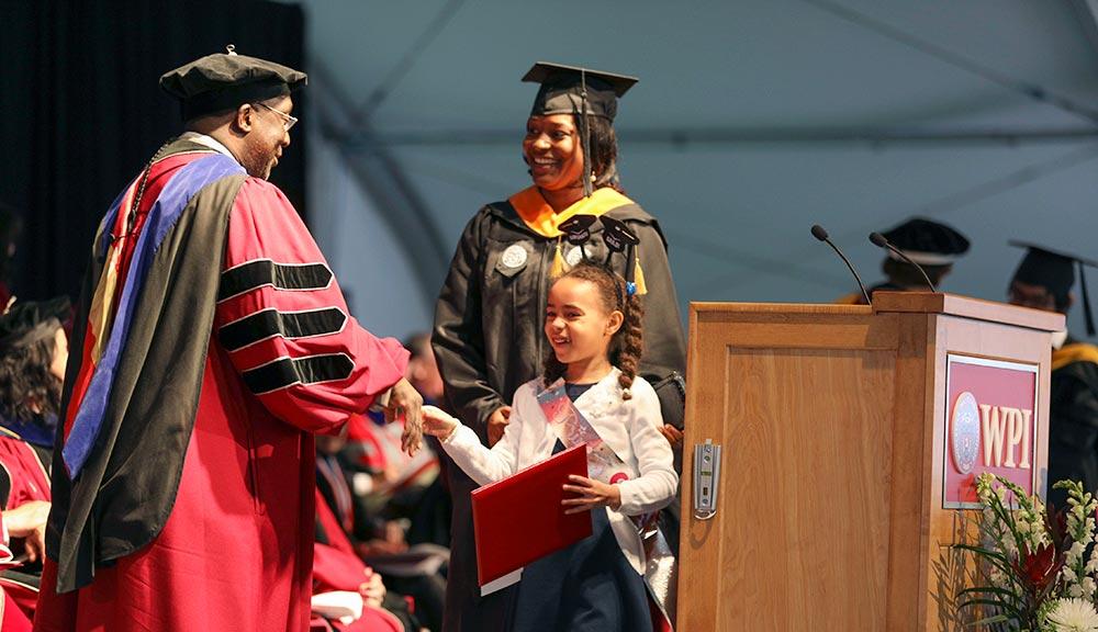 2017 graduate commencement ceremony