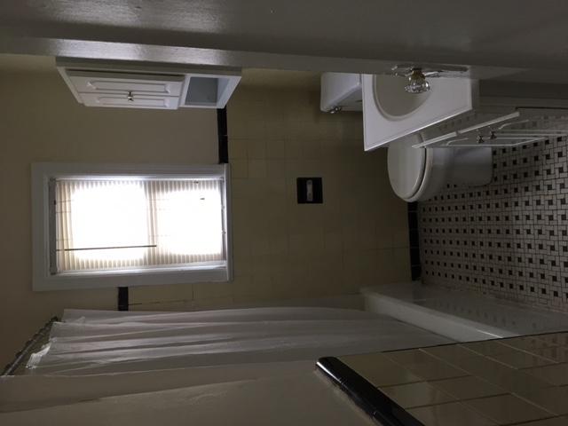 Salisbury Estates bathroom