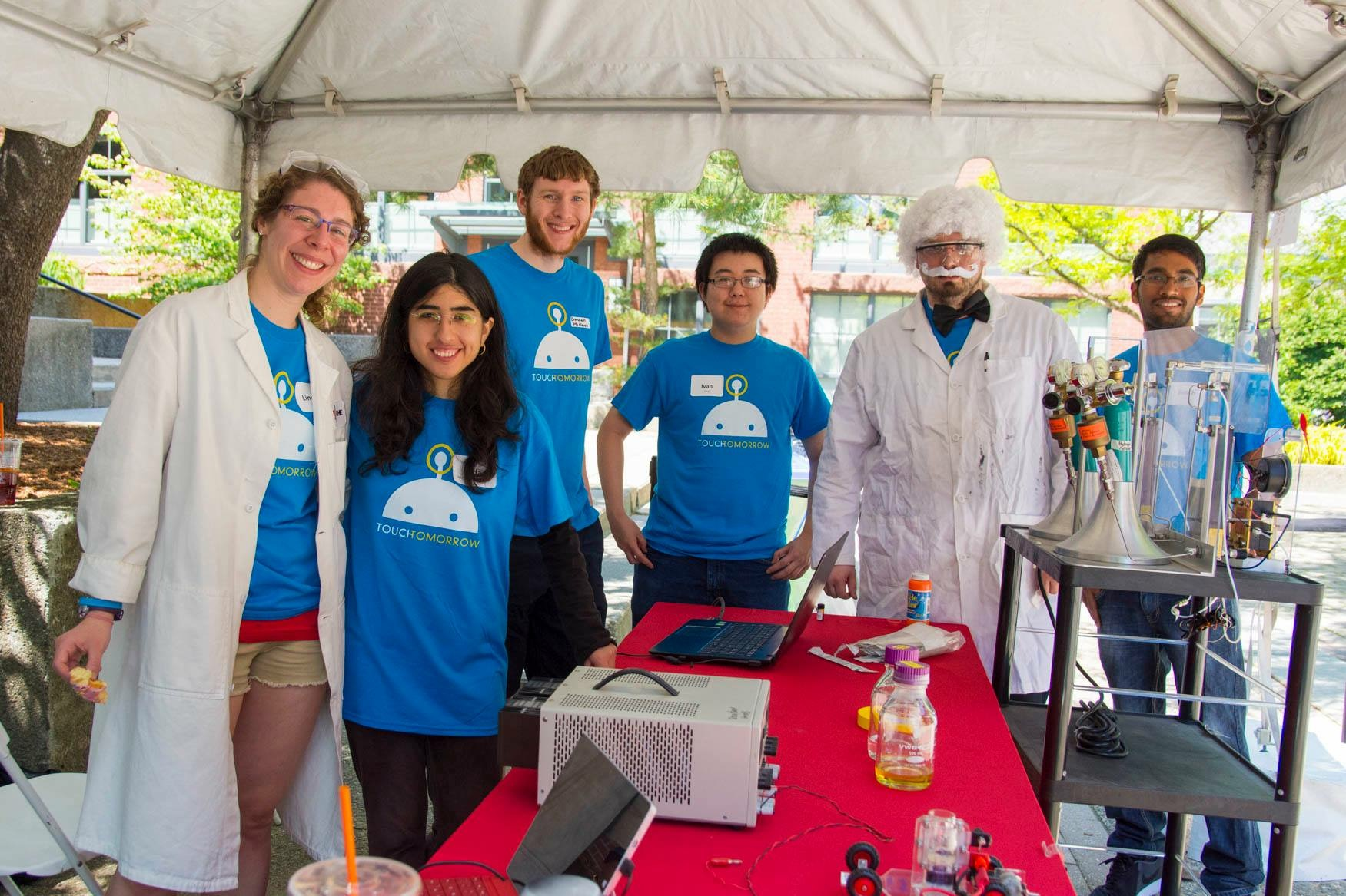 WPI TouchTomorrow a success - with the help of Chemical Engineering graduate students!