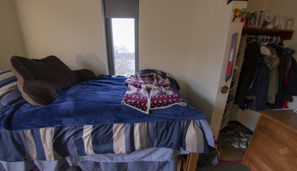 East hall apartment style 2, bed