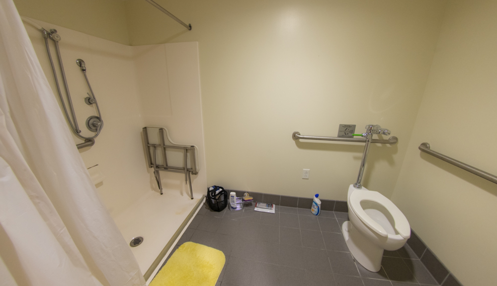 East Hall apartment style 1, bathroom