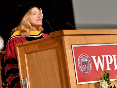 Ellen Stofan at the podium alt