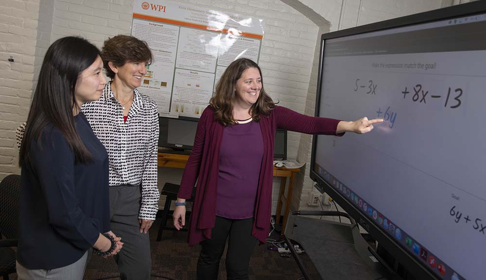 "Researchers demonstrate ""Graspable Math"" on a touchscreen."