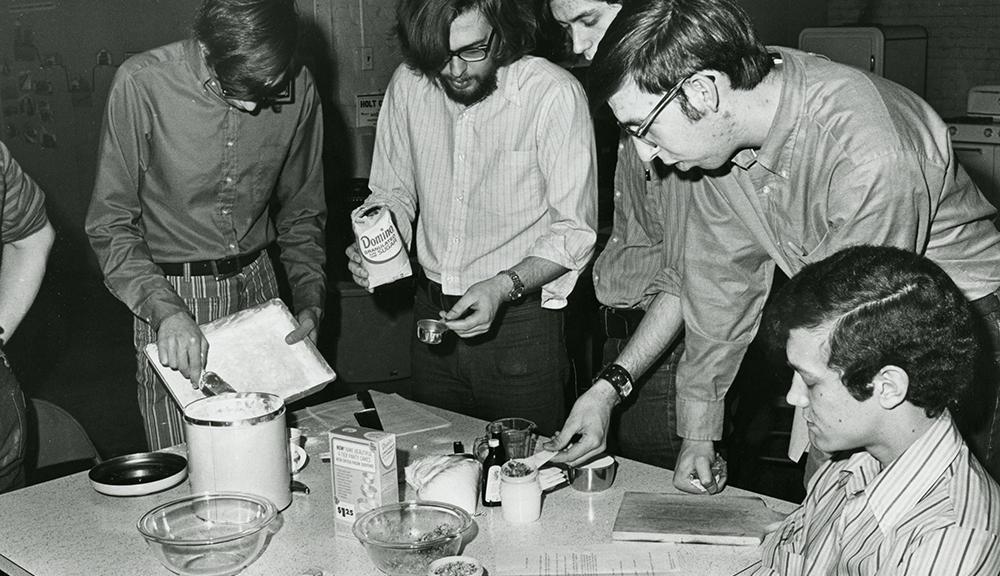 Bachelor Cooking class, 1972  alt