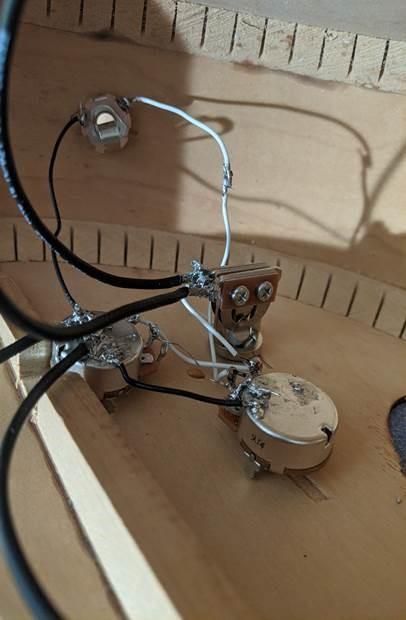 electric guitar circuitry