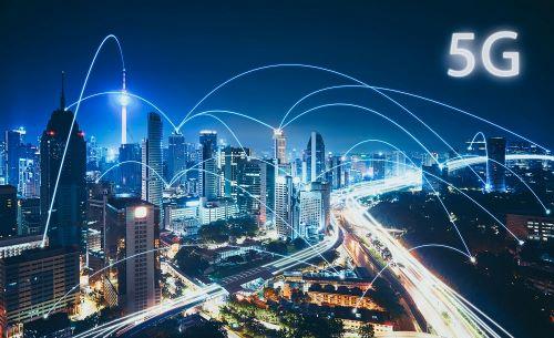 GRAPHIC IN BLUE TONES OF FUTURISTIC CITY