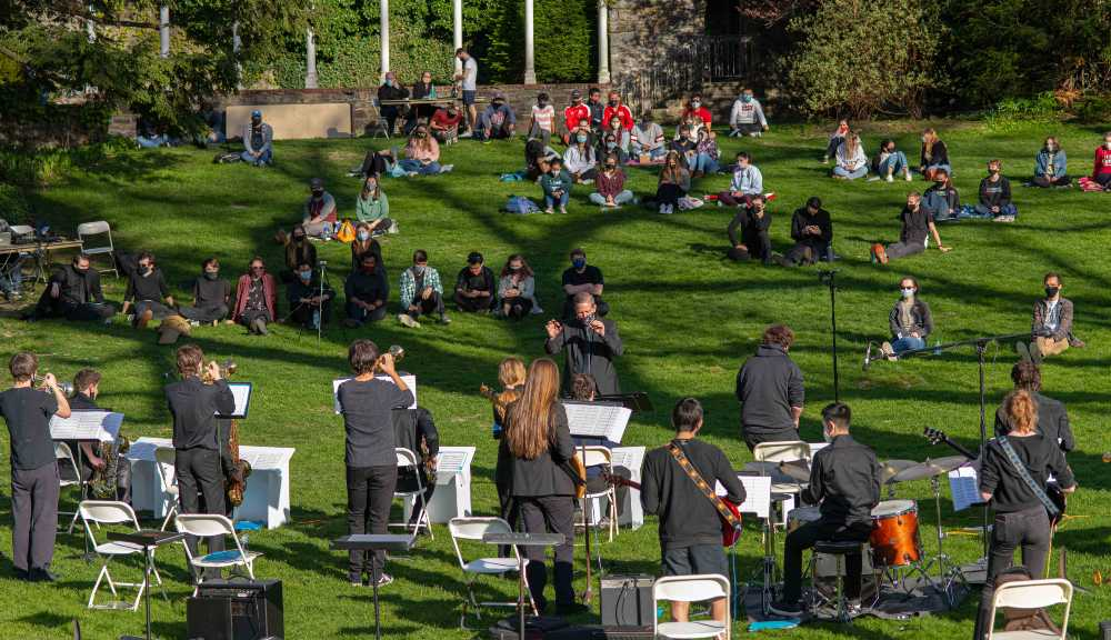 """WPI students gather for a """"Jazz on the Lawn"""" festival on Higgins Lawn."""