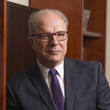 Bogdan M. Vernescu